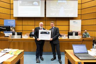 ICPDR presented highest award from WWF